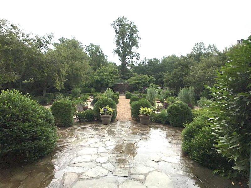 om garden